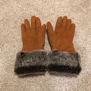 Faux Suede Brown Gloves with Faux Fur